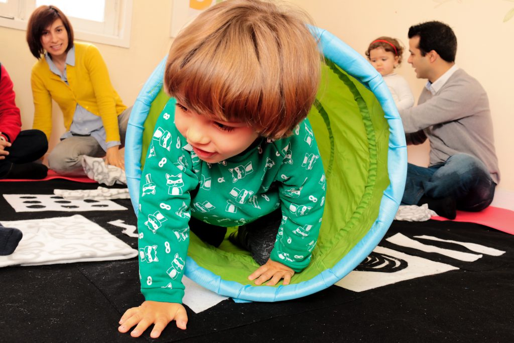 Os riscos de os bebés não gatinharem