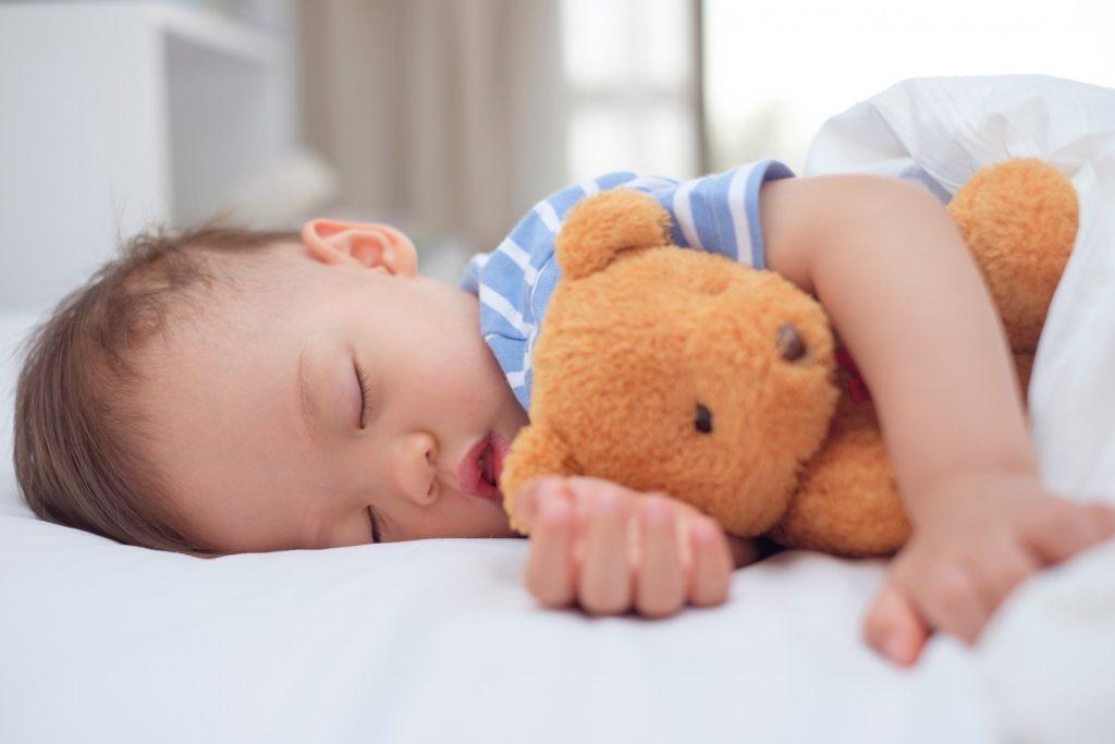 Estará na altura do meu bebé passar a fazer apenas uma sesta?
