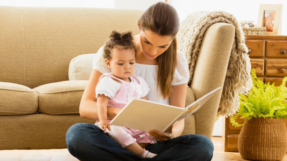 Sabe o que acontece ao cérebro do seu bebé quando lhe lê uma história?